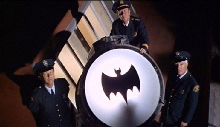batman-adam-west-los-angeles-bat-signal-death-dies-sky