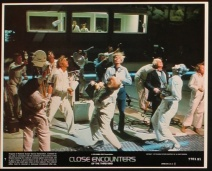 close-encounters-of-the-third-kind-us-lobby-card-3-8x10-1977-steven-spielberg-richard-dreyfuss