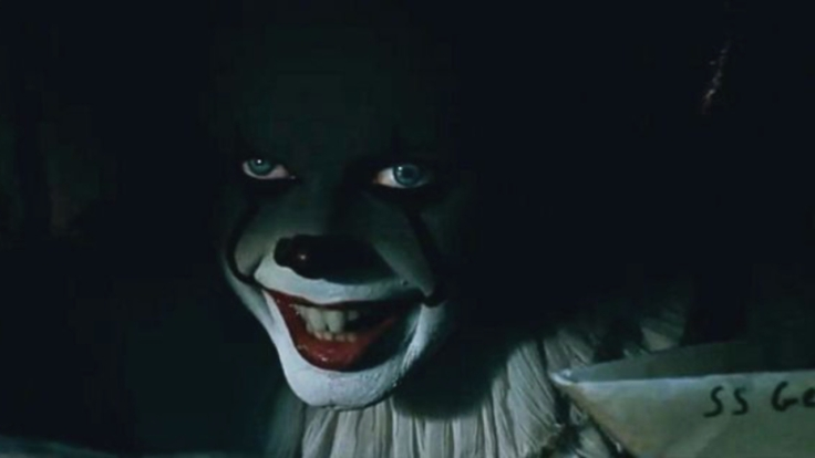 stephen-king-it-movie-2017-bill-skarsgard-pennywise-eye-trick-20011935-1280x0.jpeg