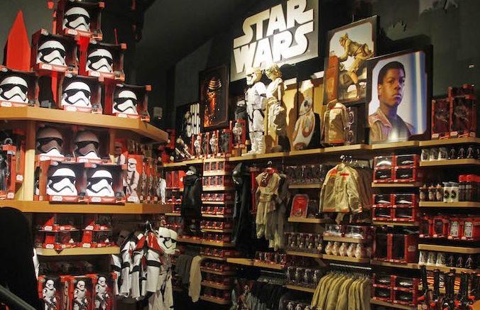 star-wars-toys-e1447903382477